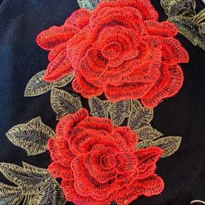Cropped Hoodie Rose Embroidered Appliqué Rue 21 XS